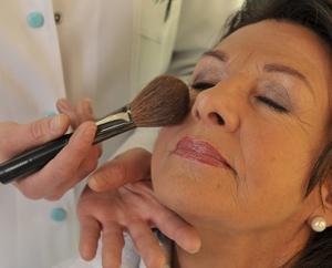 Kosmetik & Dermato-Behandlungen – Beauty & Spa für Sie & Ihn